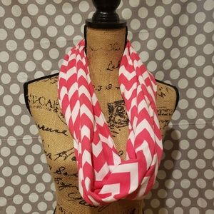 Accessories - Pink/White Chevron Infinity Scarf